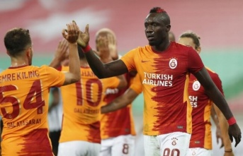 Mbaye Diagne, transfer için Terim'den izin istedi