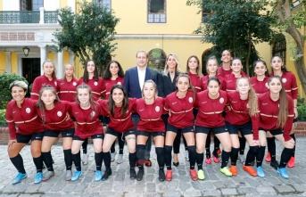 Galatasaray Kadın Futbol Takımı'nın temeli, Galatasaray Lisesi'nde atıldı!
